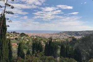 Agence immobilière Nice, Vue sur Nice depuis la colline Gairaut.