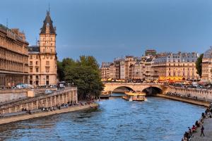 Agence immobilière Paris ( Seine - pont )