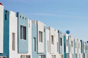 Vous souhaitez comprendre la différence entre prix FAI et prix net vendeur ? Nous vous expliquons les différences afin de comprendre le vrai prix de votre logement. (Acquéreur et Vendeur)