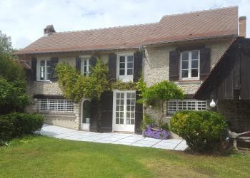 Belle maison Type 7 de 270 m² + spa à Saclas