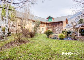 Maison Type 9 de 190 m² + Dépendance  / Canton de La Chambre