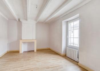 Belle maison de ville Type  6 de 122 m² + garage à Sainte-Foy-la-Grande