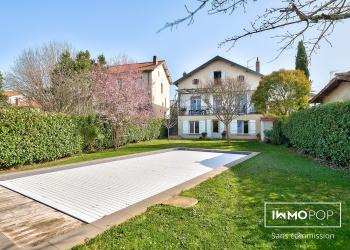 Maison type 9 de 280 m² + piscine + garage à Toulouse
