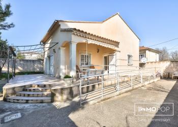 Maison plain pied Type 5 de 92 m² + garage à Avignon