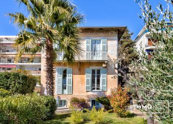 Maison Type 7 de 200 m² + garage à Nice