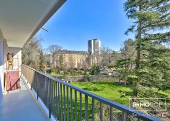 Appartement Type 4 de 70 m² + 2 balcons + parking + cave à Rennes