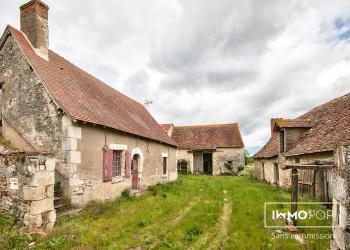Corp de ferme  + hangar à  Bossay-sur-Claise