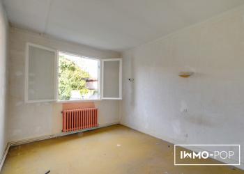 Maison de Type 6 de 127 m² + garage professionnel à Pineuilh