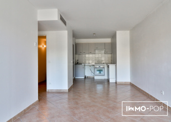 Appartement de Type 2 de 46 m² à Hyeres + piscine + garage