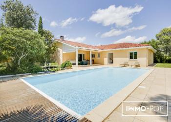 Maison de plain-pied Type 5 de 155 m² + garage 45m2 + piscine + T2  46m2 à Biscarrosse Bourg