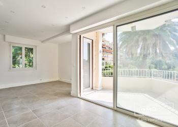 Charmant Appartement Neuf Vue Mer Type 3 de 71 m² à Cannes