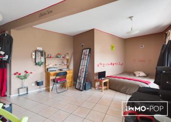 Studio de 30 m² + cave + parking à Cran Gevrier