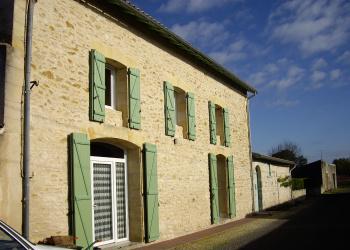 Belle maison en pierre T6 + CHAI attenant dans le vignoble