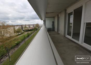 T2 avec terrasse nouveaux quartier BELCIER en pleine transformation