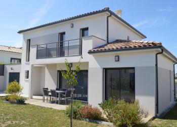 Maison d'architecte Type 5 de 130 m² + garage  à  Auzielle