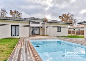 Maison plain pied Type 4 de 136 m² + piscine + garages à Audenge