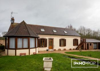 Maison Type 6 de 150 m² + dépendances+ piscine Bivilliers