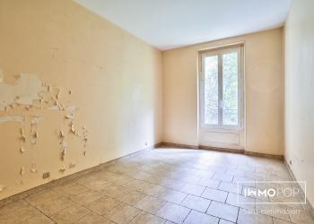 Appartement à usage mixte  Type 4 de 70 m² + débarras + cave à Paris 14 ème