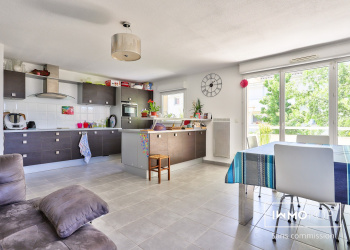 Charmant appartement Type 4 de 81 m² + Terrasse  + 2  Parking au HAILLAN