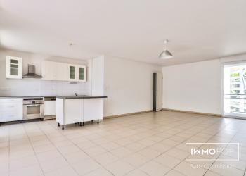 Appartement Type 4 de 96 m² + 2 places de parking à Bordeaux
