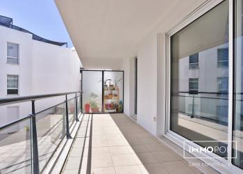 Bel Appartement Type 4 de 96 m² + 2 Terrasses + 2 places de parking à Bordeaux