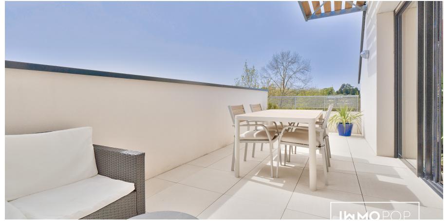Appartement duplex Type 4 de 92 m² + terrasse + 2 parking à Cenon