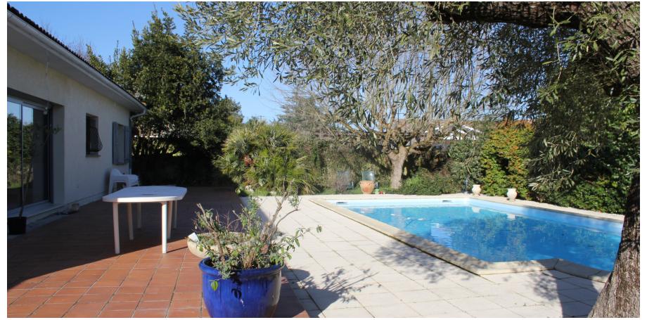 Maison plain pied Type 4 de 138 m²  + piscine + garage à Saint Loubès