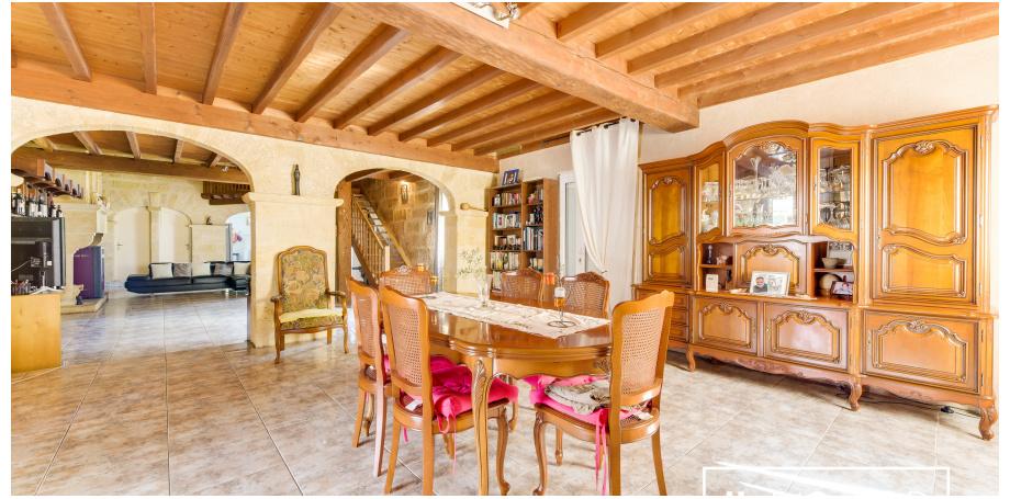 Maison Type 6 de 360 m² à Porchères
