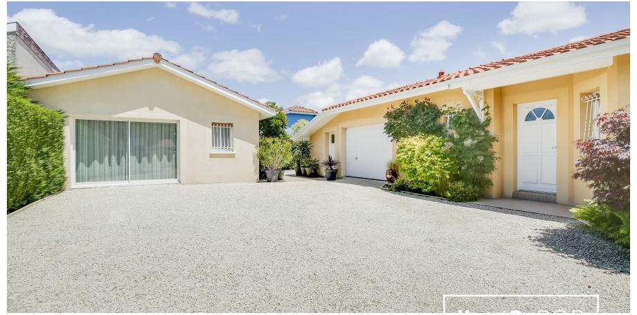 Maison de plain-pied Type 5 de 155 m² + garage 45m2 + piscine + T2  46m2 à Biscarosse Bourg