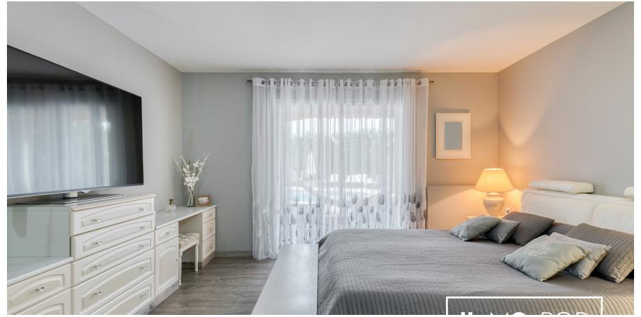 Belle Maison de 259 m² + piscine + garage + T2 à La Landes de Fronsac
