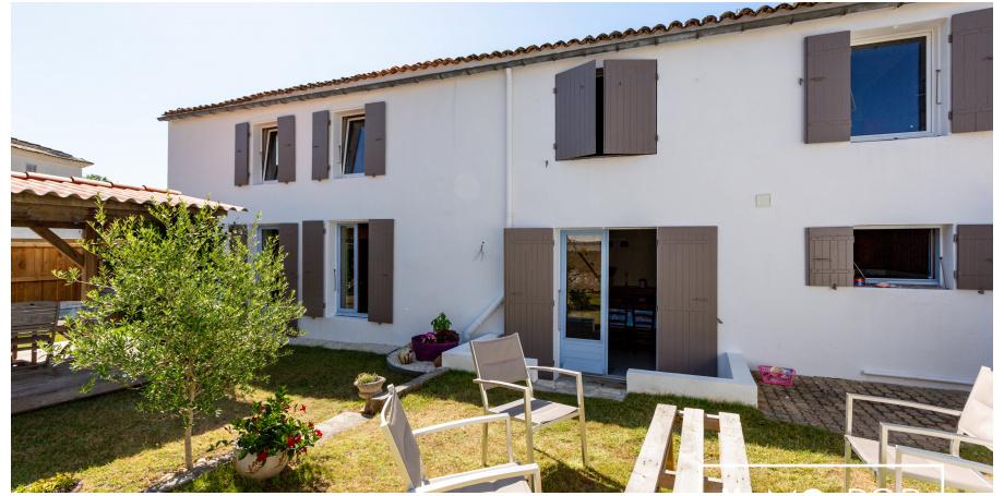 Maison Type 10 de 220 m² + garage à Arces sur Gironde