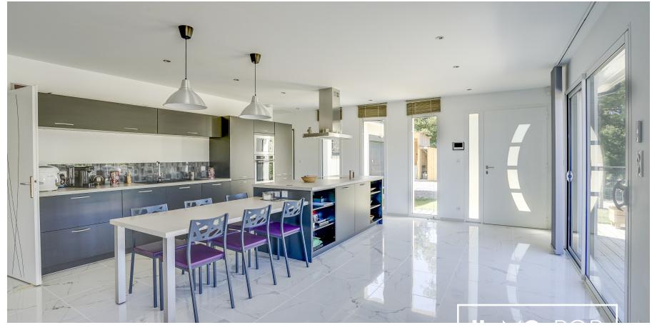 Maison plain pied Type 5 de 157 m² + garage + piscine à Macau