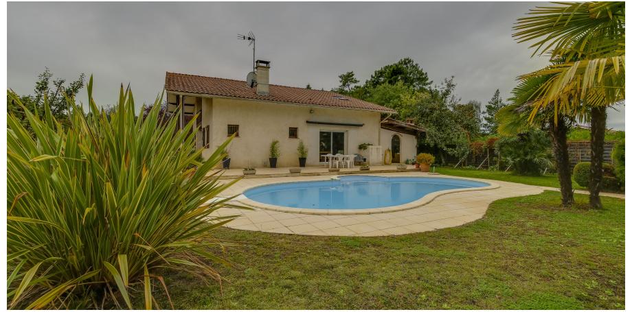 Maison Type 7 de 198 m² + dependance + garage à Lège-Cap-Ferret