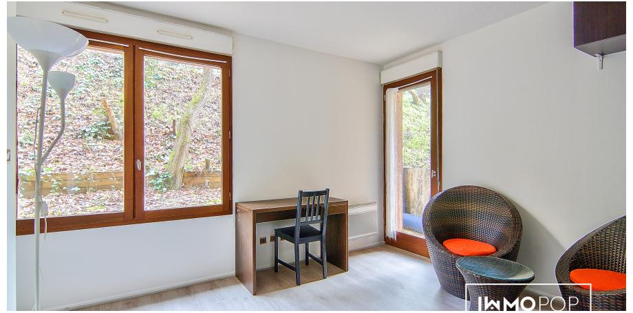 Appartement de type Studio/1 à Pouvourville dans un cadre Boisé