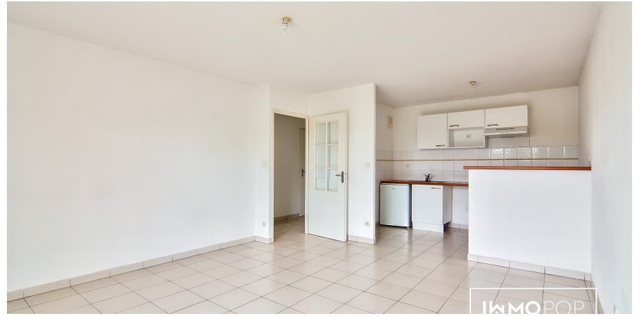 Appartement Type 2 de 44 m² + parking  + piscine à Seysses